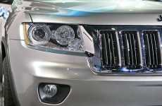 Glamorous 4x4s - 2011 Jeep Grand Cherokee Revs Up Motor Enthusiasts With Fancy Details