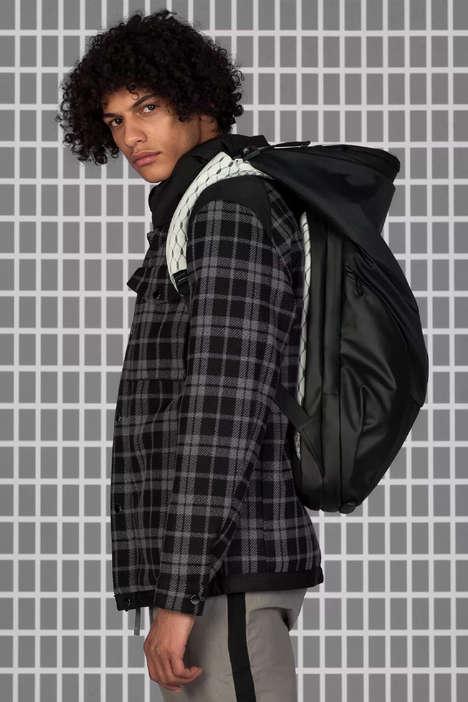 Highlands-Inspired Bag Capsules