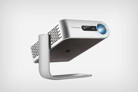 Eco Ultra-Portable Projectors