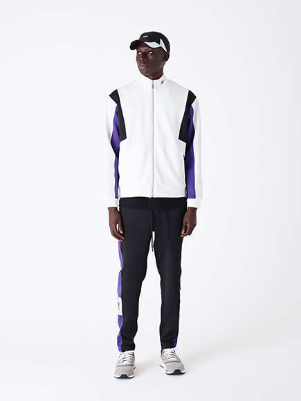 Sneaker-Matching Tracksuits