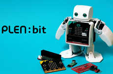 Programmable Child-Friendly Robots - The 'PLEN:bit' Robot Can be Customized Using the micro:bit