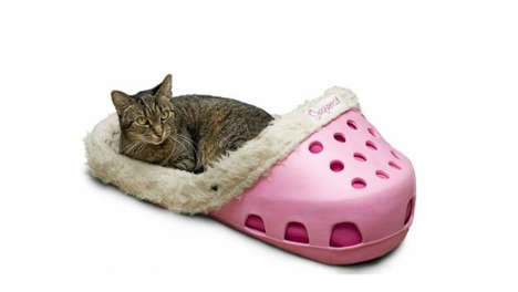 Cozy Slipper-Inspired Pet Beds - Sasquatch Retails a Hilarious and Cozy Pet Bed on Amazon