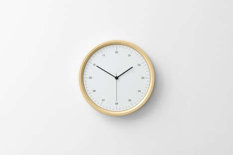 Minimalist Stress-Reducing Clocks