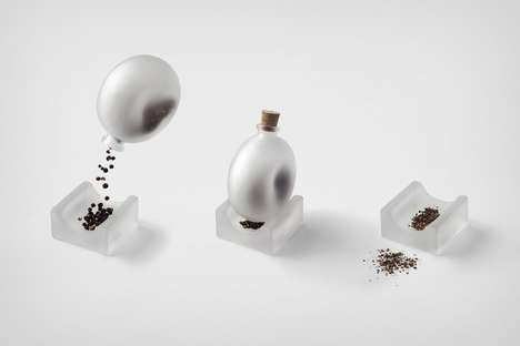 Minimalist Translucent Pepper Mills - Nendo's Pepper Pestle Stores and Crushes Dried Peppercorns