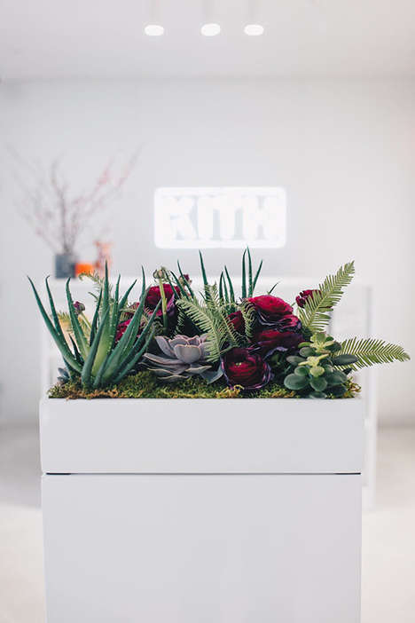 Fashion-Forward Floral V-Day Pop-Ups
