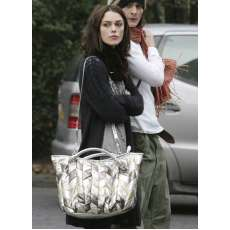 Miu-Miu Handbags - Lindsay Lohan Says Goodbye To Louis Vuitton, Hello To Miu-Miu