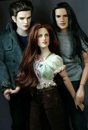Vampire Action Figures - 'Twilight' Dolls Released by Tonner Doll Company (UPDATE)