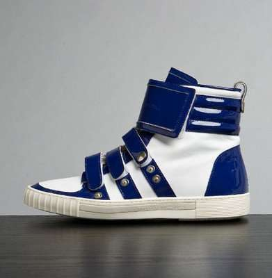 Sneakers With Straps & Snaps