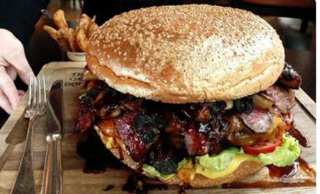 Massive Three-Kilogram Burgers