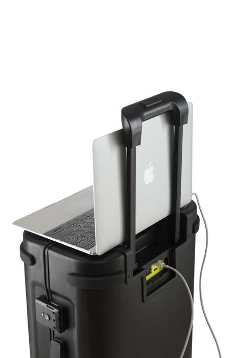 Cybercrime-Thwarting Luggage