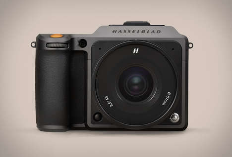 Prosumer GPS-Equipped Cameras