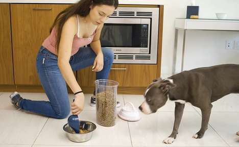 Vacuum-Sealed Pet Food Containers