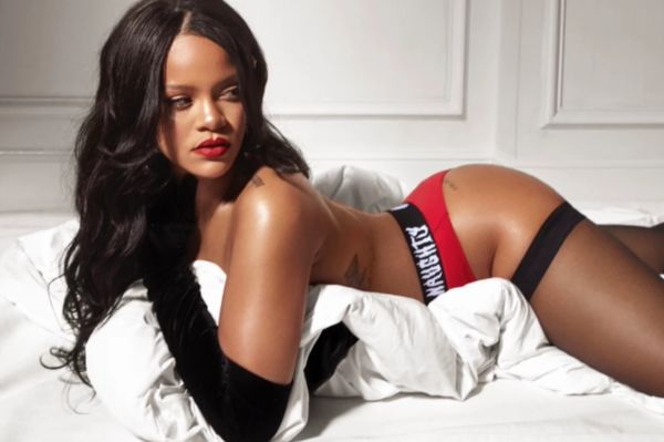 15 Gifts for Rihanna Fans