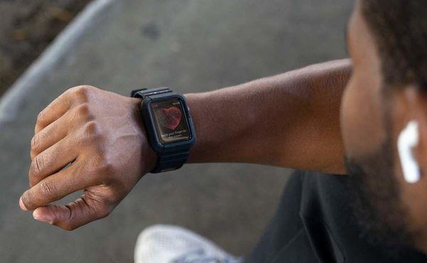 Spigen Rugged Armor Apple Watch Series