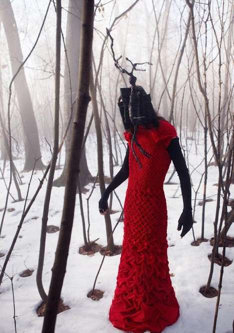 Headless Fashion Campaigns - Je Suis Belle's Foreboding A/W '09 Collection