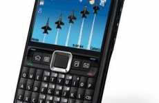 Dapper Dialers - Nokia's E71x Smartphone is a Stroke of Genius