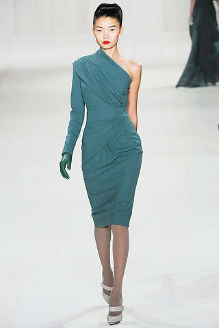One-Shoulder Goddess Gowns