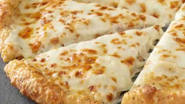 Alfredo Sauce Pizza Crusts