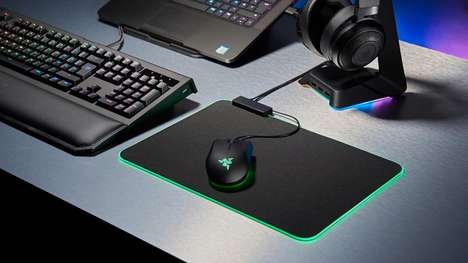 Chromatic Connected Mouse Mats