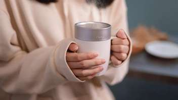Smart Temperature-Regulating Mugs