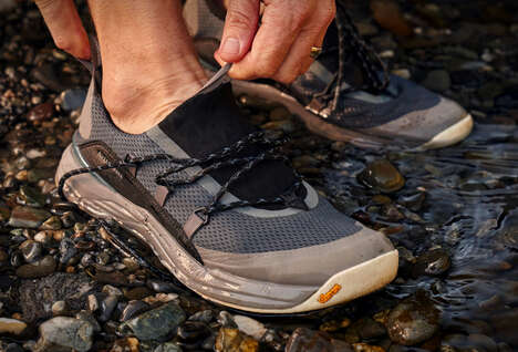 Stretching Water-Friendly Sneakers