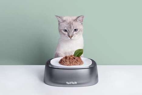 Demure Dual-Sided Pet Bowls