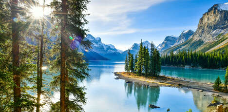 Locally Hosted Canadian Tours
