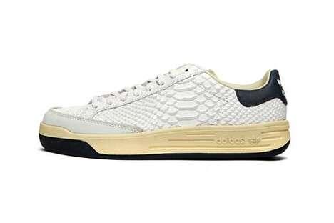 Textual Minimal Low-Cut Sneakers