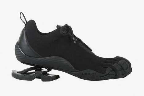 Segregated Toe Flexible Footwear