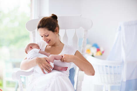 Mom-to-Mom Breastfeeding Support Platforms