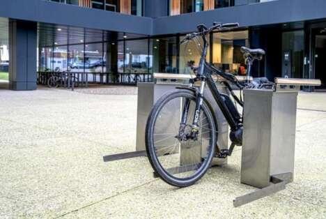 Power-Providing E-Bike Stations