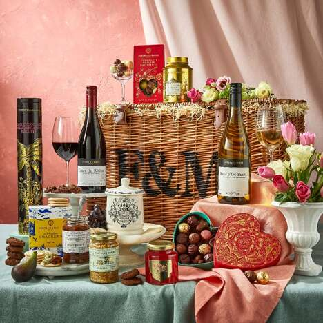 Pandemic-Themed Romantic Hampers