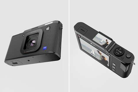 Smartphone-Inspired Mirrorless Cameras