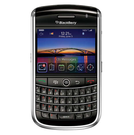Blackberry Tour 9630 Eases Cross-Country Communication
