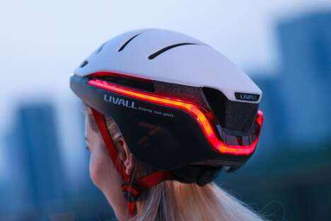 360-Degree Visibility Smart Helmets