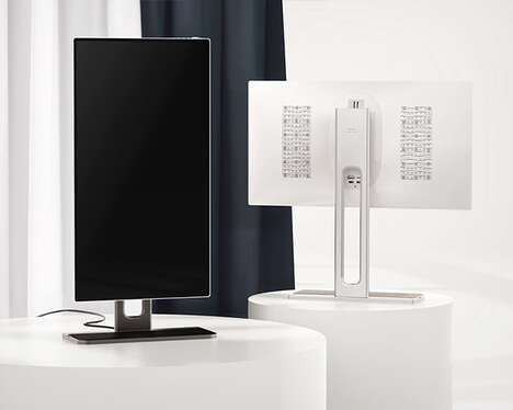 Swiveling Height-Adjustable Displays