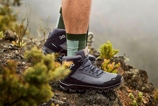 15 Comfortable Hiking Footwear