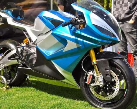 Tri-Wheel Tilting Motorcycles