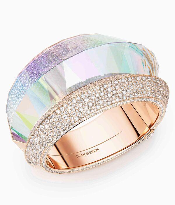 Holographic Luxury Jewelry