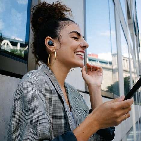 Nod-Detecting Wireless Earphones