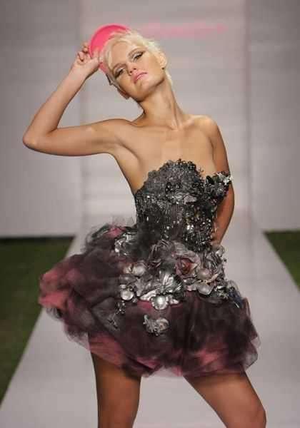14  Metallic Fashions