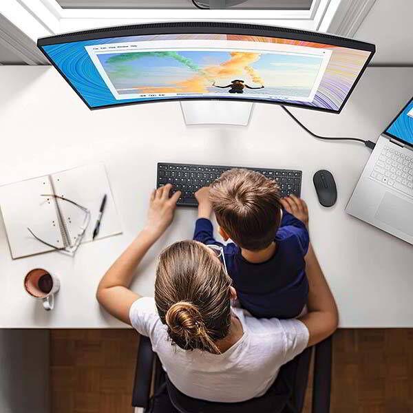 Hybrid Lifestyle PC Monitors