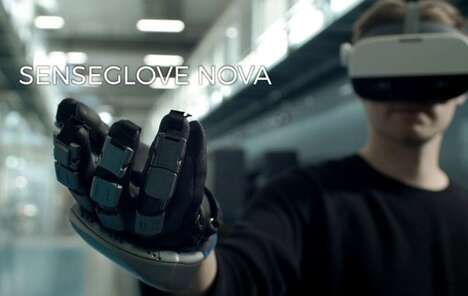 Reactive VR Glove Controllers