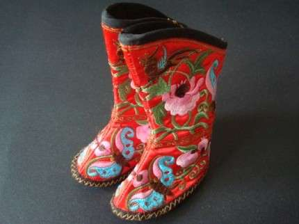 China Folk Art Baby Boots in Traditional Patterns & Wild Colors
