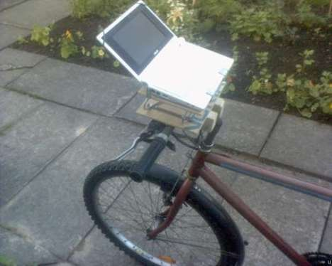 Get Around Tech-Style With the DIY Mounted Netbook Bicycle