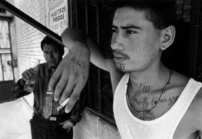 Gang Culture Photography - Donna De Cesare Captures Faces & Emotions of US Gang Members
