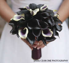 Gothic Wedding Bouquets - Black Roses and Calla Lilies for Tradition-Defying Brides