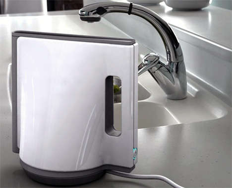 Shape Shifting Appliances - The Braun Geometrical Kettle Looks Good From All Angles