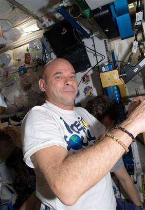 Circus Hosts in Space - Cirque du Soleil Hosts 'Moving Stars and Earth for Water' in Orbit