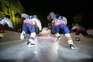 Downhill Ice Skating - Roller Derby Meets Hockey at the Red Bull Crashed Ice Competition